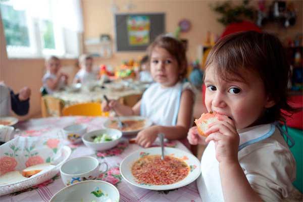 Портал: Бесплатное питание в детских садах Резекне — это возможно!