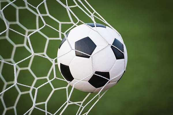 Тяжелое поражение женской футбольной команды на чемпионате