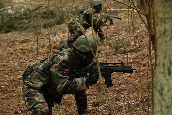 Латгальские яунсарги провели тренировочный лагерь в Резекне
