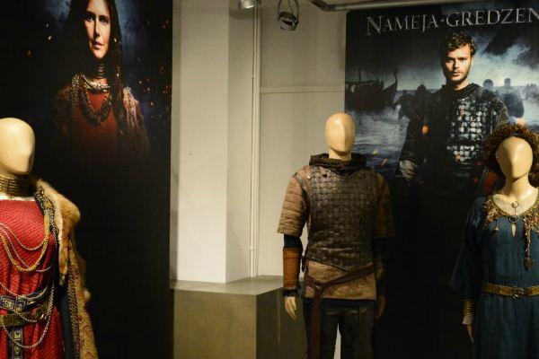 Выставка костюмов и реквизита к художественному фильму «Кольцо Намейса»
