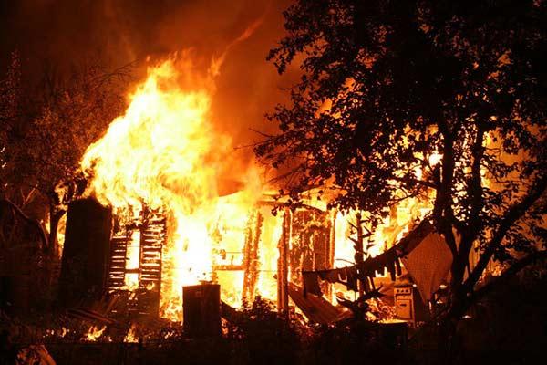 В Резекненском крае сгорела баня
