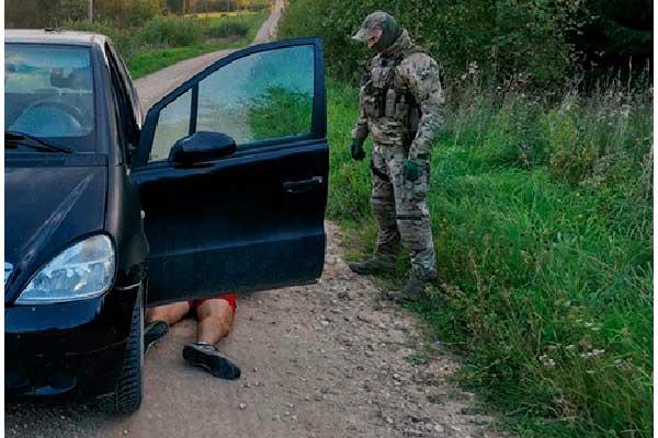 Пограничники помогли задержать двух мужчин с наркотиками в Лудзенском крае