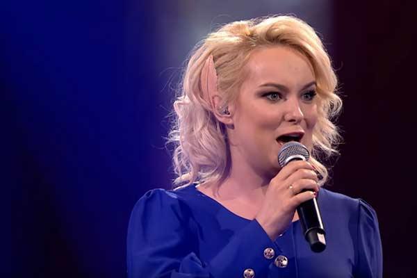Резекненка Елена Матуле эффектно выиграла битву на польском шоу «Голос» (ВИДЕО)