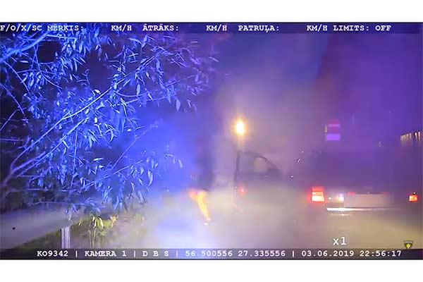 Погоня в Резекне: полицейские задержали пьяного водителя (видео)