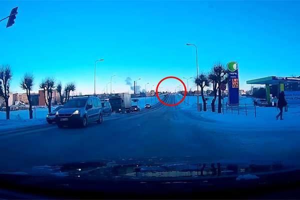 Видео очевидца: Виадук теперь односторонний?