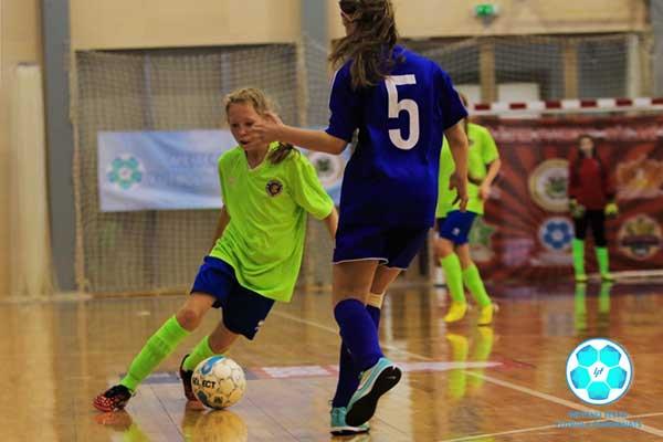 Стартует новый сезон Латвийского чемпионата по футболу в помещении среди девочек