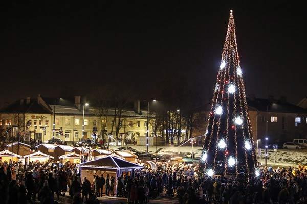 В воскресенье зажгут главную Рождественскую елку Резекне